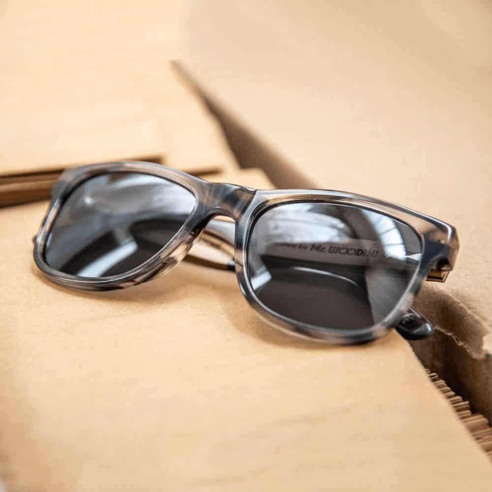 משקפי שמש מאצטט ועץ - amanita - mr woodini