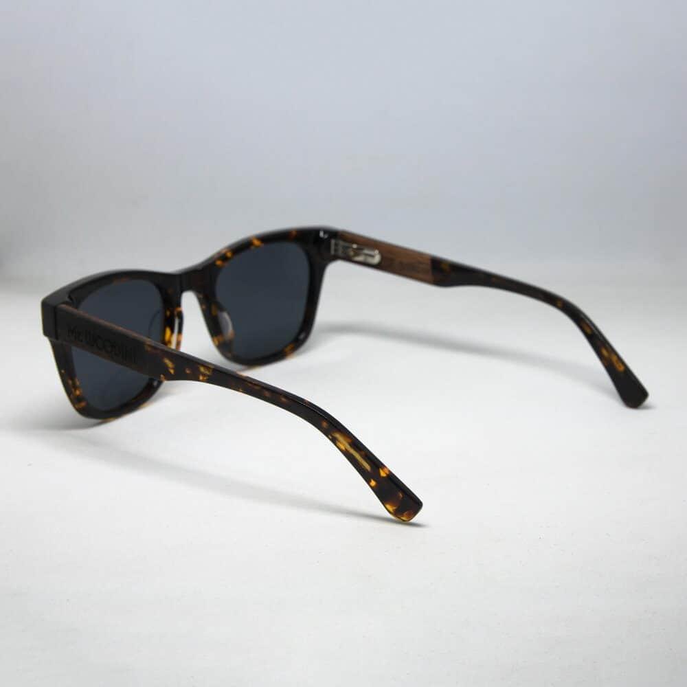 משקפי שמש מעץ ואצטט - דגם Lava - משקפי שמש מעץ Mr. Woodini