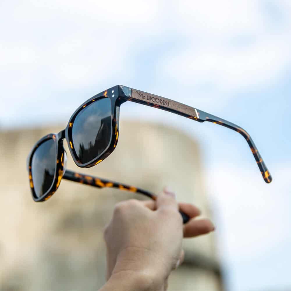 משקפי שמש מאצטט ועץ - דגם Honey - מיסטר וודיני