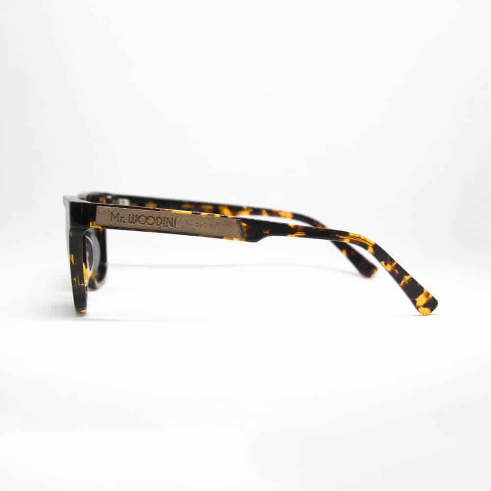 משקפי שמש מאצטט בגווני שחור - כתום. דגם Honey - מיסטר וודיני