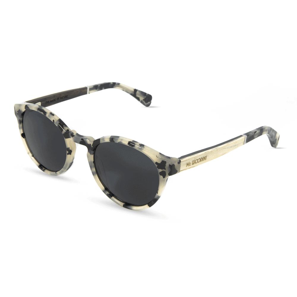 משקפי שמש מאצטט White Totoise ובשילוב זרועות עץ בצבע לבן