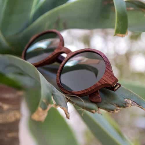 מסגרות משקפיים מעץ