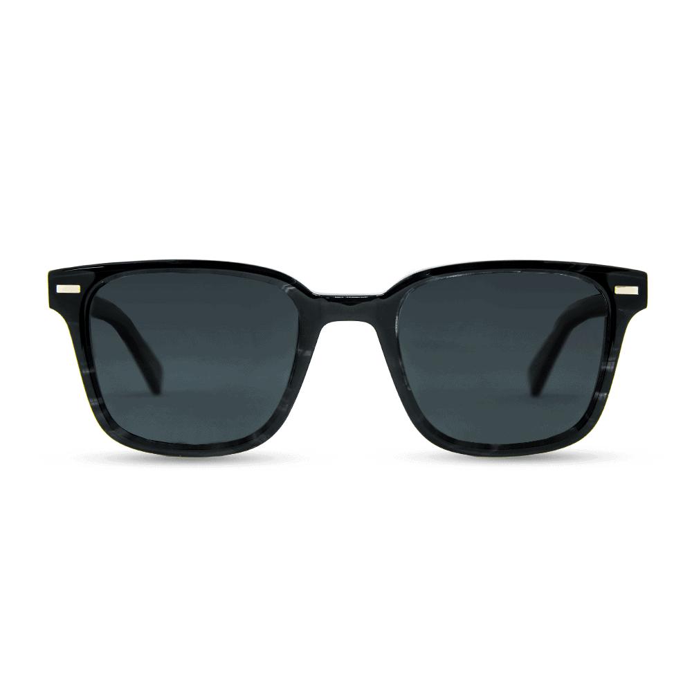 משקפי שמש מאצטט Black Smog בשילוב זרועות עץ זברה ועדשות פולארויד